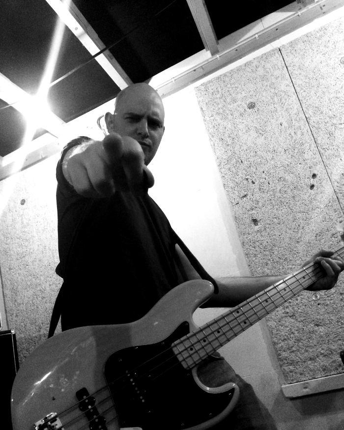 Bitter Grounds - Punk Band Daan