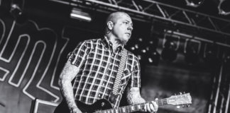 Lars Frederiksen mit The Old Firm Casuals auf dem Endless Summer 2016 (Photo by Michelle Olaya)