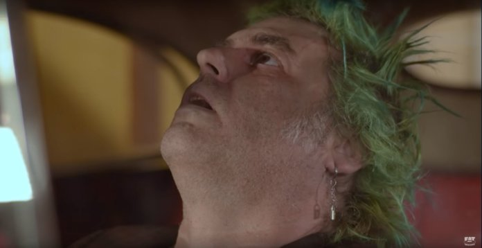 Fat Mike (NOFX - I Love You More Than I Hate Me (Video-Screenshot))