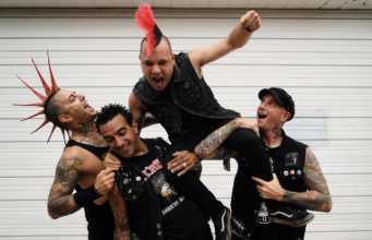 The Casualties - 2017 - New Singer Dave Krum Bums - Jorge leaving