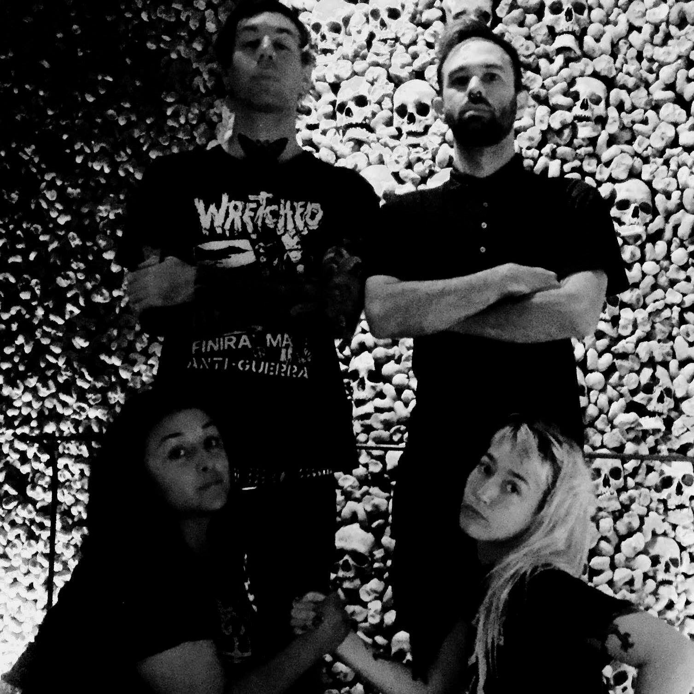 Torso - Photo Facebook Band