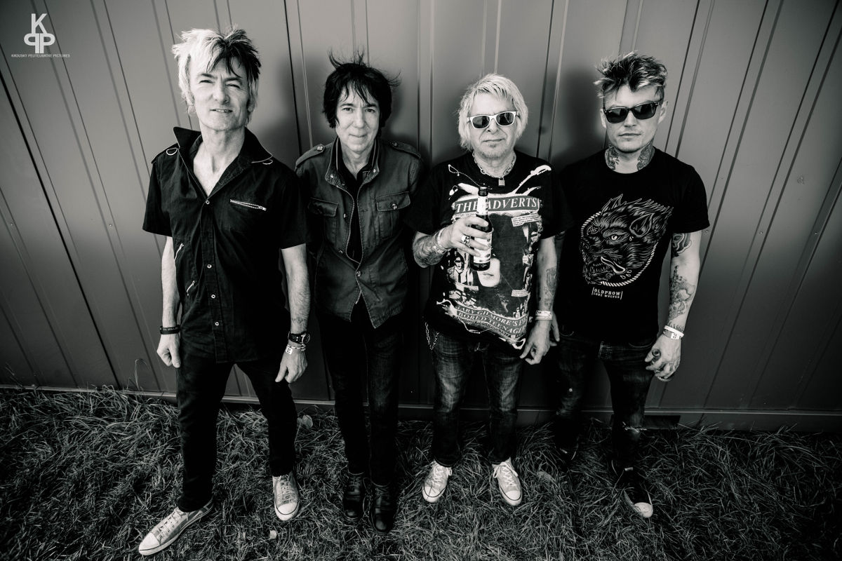 UK Subs - Punk-Band - Charlie Harper - Aurelien Jouanen at Krousky Peutebatre-pictures.